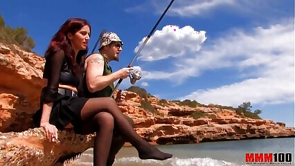 Fisherman's wife enjoys anal sex at the beach