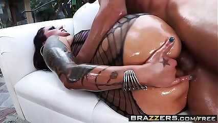 Brazzers - Big Wet Butts - (Nikita Denise, Mick Blue) - Czech Out My Ass