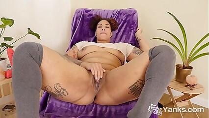 Yanks Hottie Valentine's Pussy Slamming Cum