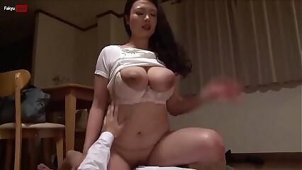 Big Tits (Full: bit.ly/2YtVnSf)