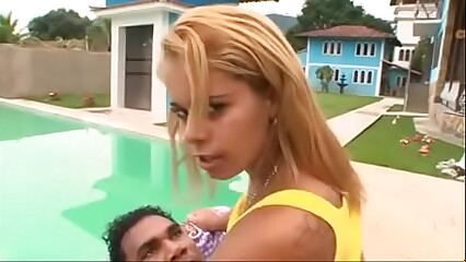 Simone Brazilian MILF Thresome with her daughter