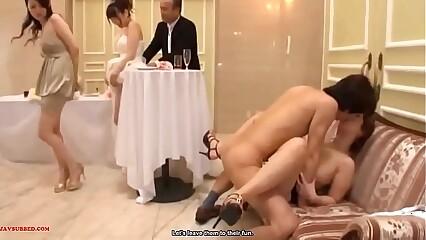 تابو خانواده در طول عروسی زمانی که افراد رابطه جنسی با یکدیگر