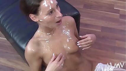 Mary - Bukkake - Gesichtsbesammung