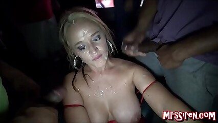 HOTWIFE Dee Siren Blowbangs