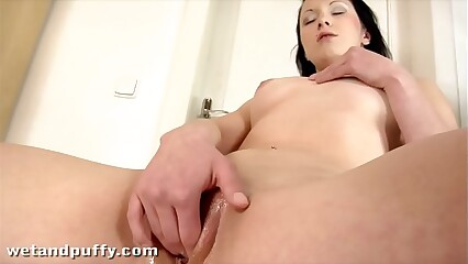 Teen Gitti loves to double up her giant Dildos