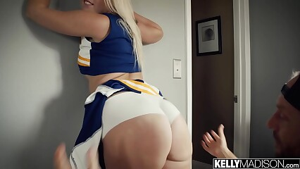 Cheerleader Slut Creampied By Big Dick