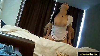 水多穴粉的大一生小師妹發育超好,奶大膚白制服高跟啪啪啪 mypornstation.com