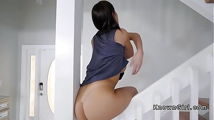 Toned girlfriend bangs huge cock home