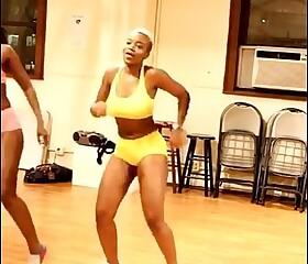 2 Naija hot babes Dancing.
