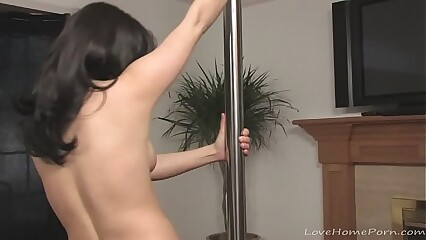 Hot stripper has fun with dancing
