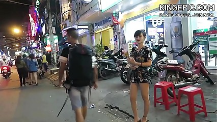 North Korean Defector Picking Up Thai Girls! [Hidden Camera]