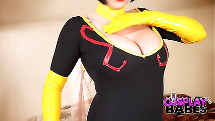 COSPLAY BABES Dr Girlfriend Masturbating