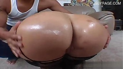 Busty cowgirl ass squirt