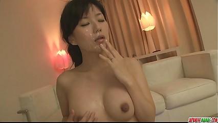 Sexy milf Manami Komukai wild cumshot fest