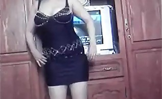 hot sexy busty arabic girl dancing