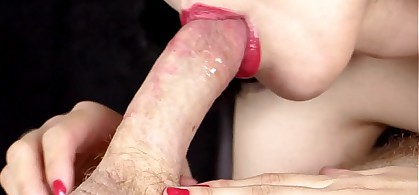 Close-Up: Sensual Deepthroat Blowjob