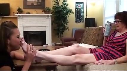 Lesbian dislikes worship mature feet