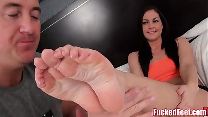 Brittany Shae Gives Soft Feet Footjob for FuckedFeet!