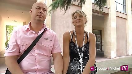 Soizic, la future mariée, s'essaie au gangbang avec son mari - Jacquie et Michel