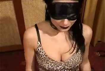 Vlaamse Bianca Dark in ruwe gangbang 1 (Belgian Bianca Dark in a rough Gangbang)