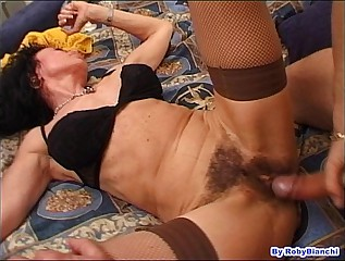 Over 60 with hairy pussy, fucks in the ass with your big cock Fausto Moreno!!!