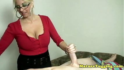 Handjob loving bimbo mature tugging