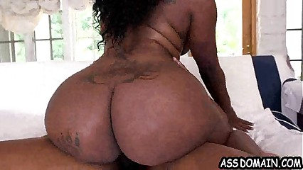 Big black ass Diamond Monroe gets fucked 2.5