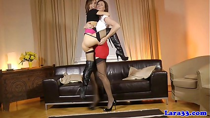 Glam european milf tongue fucks babe
