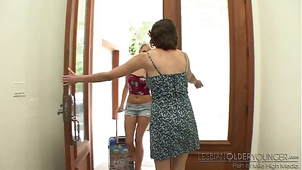 Mia Malkova and Veronica Snow - Lesbian Older Younger