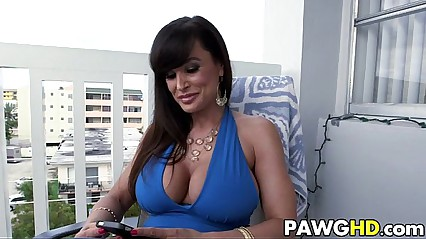 Lisa Ann is a stunning PAWG