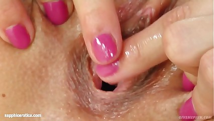 Masturbating Klara enjoying herself on Sapphix