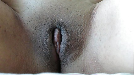 27 Years Old Virgin Amateur Masturbation Orgasm in Extreme Closeup
