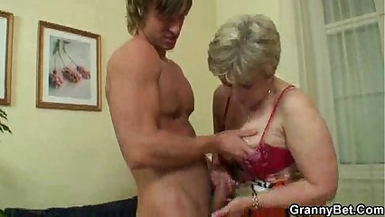 Mature lady got young cock