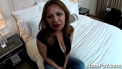 1754928 huge natural tits latina milf