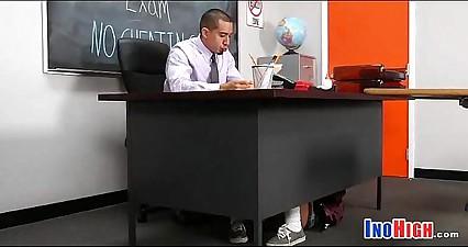 Mini skirt Schoolgirl pussy 16 81