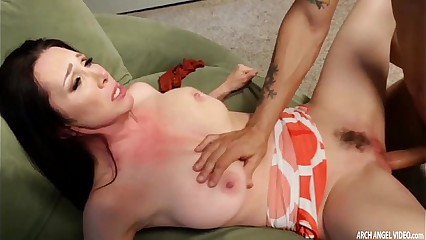 Busty Mom Rayveness fucked silly squirting