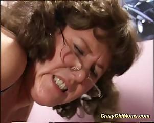 my sexy horny mom