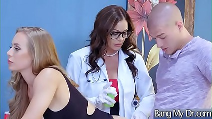 Sex Tape With Dirty Doctor Banging Slut Patient (Kendra Lust & Nicole Aniston) mov-28