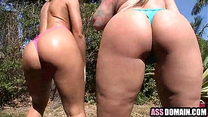 Nicole Aniston & Poison Ivy ass heaven 1.3