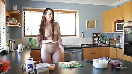 Jada Nude Muse Cooking