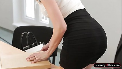 Office babe Lynna Nilsson with big boobies gets pounded good