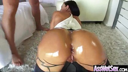 Wet Oiled Big Ass Girl Get Deep Nailed On Cam movie-17