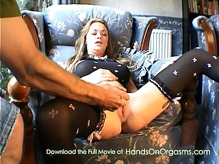 Paige Ashley gets her orgasm service