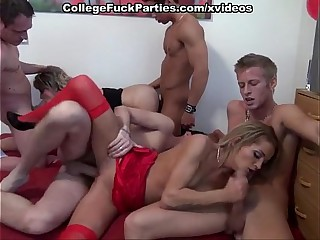 Students orgy with blowjobs and deep fucks