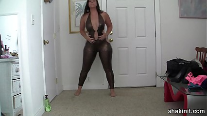latex body suit cant contain this booty