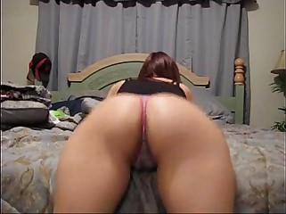 Amateur Booty Shaking With The Hot Roxy