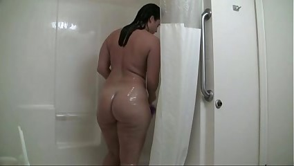 MILF Shows Off Her Big Ass in Shower - More at MOISTCAMGIRLS.COM