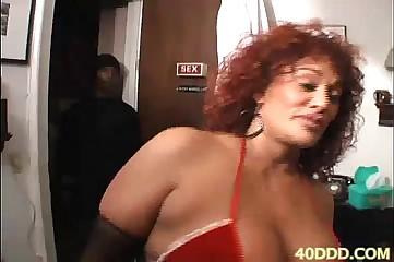 40DDD.COM-MILF,BIG TITS,BIG BOOTY,BIG CLIT,ANAL-gina-big ass booty blk girl