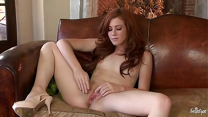 Elle Alexandra - Red Hot And Pure Pink