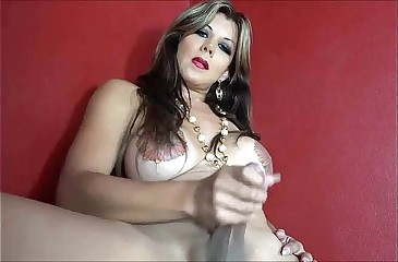 Milf Shemale stripper Masturbates to ogasm.